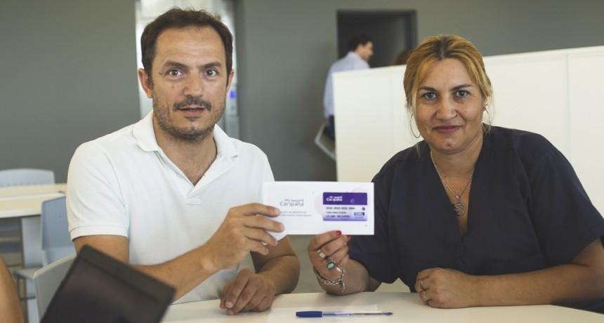 "Trabajadores municipales comenzaron a recibir la tarjeta ""Mi Muni"""