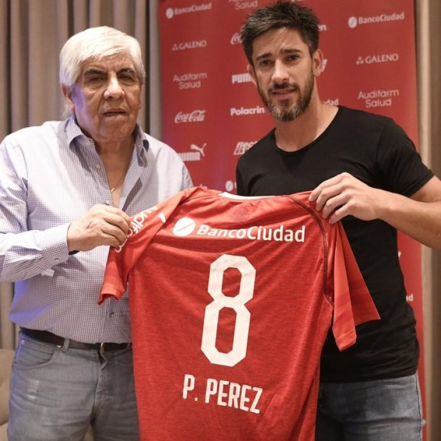 Pablo Pérez firmó su contrato con Independiente