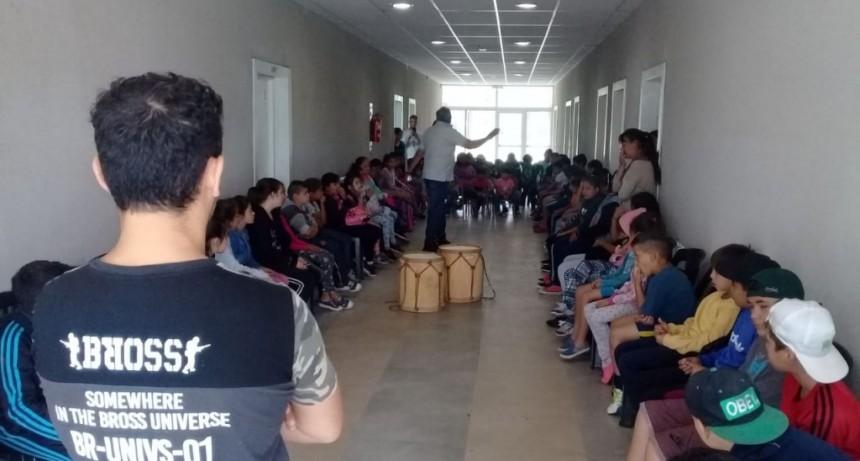 Los talleres municipales de cultura llegaron a las Escuelas Abiertas de Verano