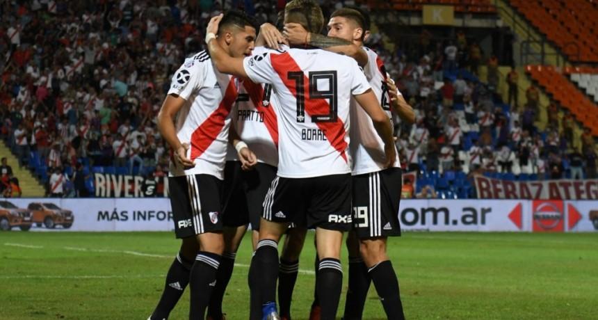 River Plate recuperó la memoria y goleó a Godoy Cruz 4 a 0 en Mendoza