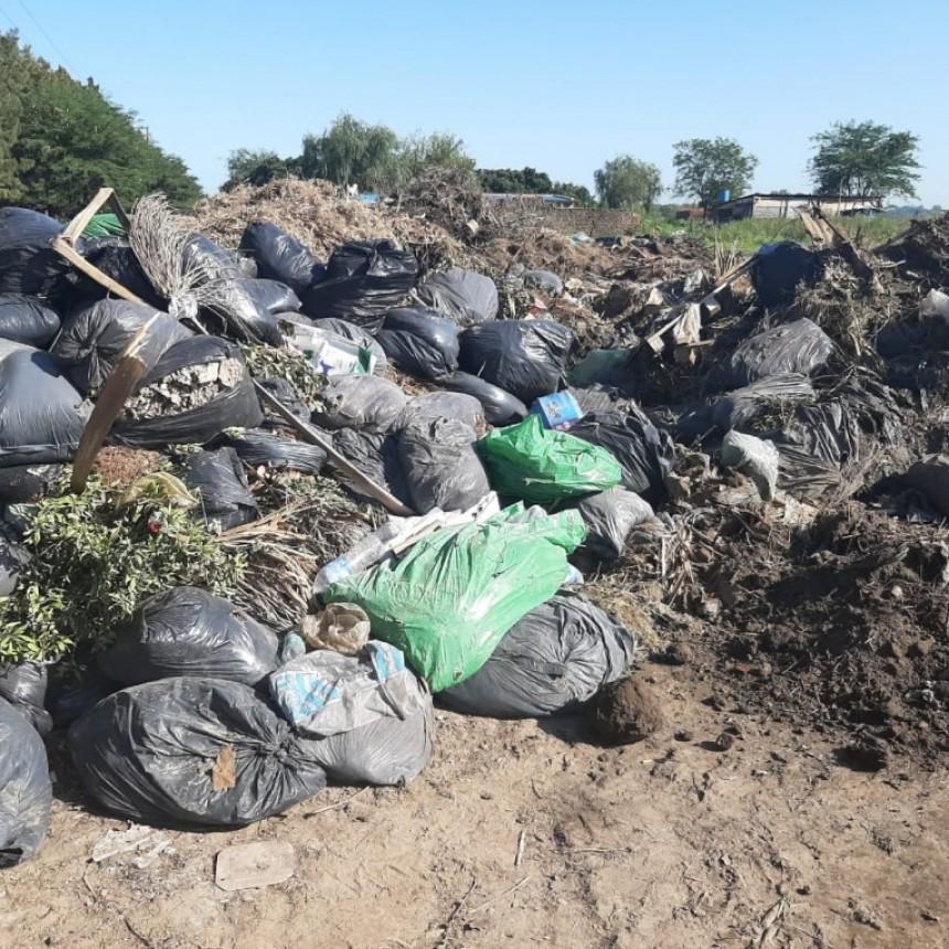 Marco Colella denuncia que el municipio tira residuos en cavas del Barrio Las Praderas