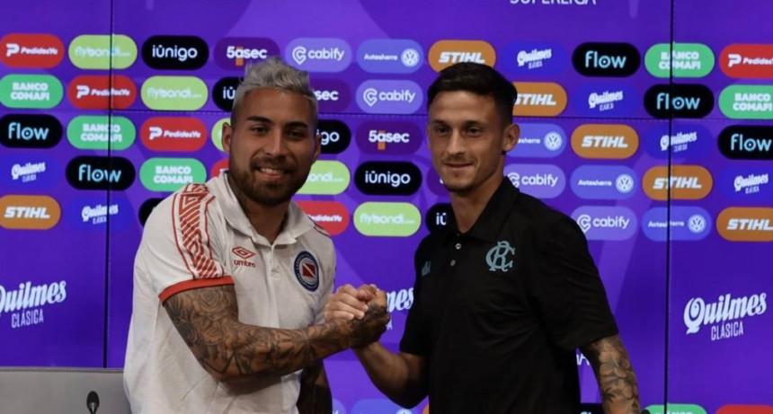 Argentinos Juniors y Racing Club adelantaron el partido en conferencia de prensa