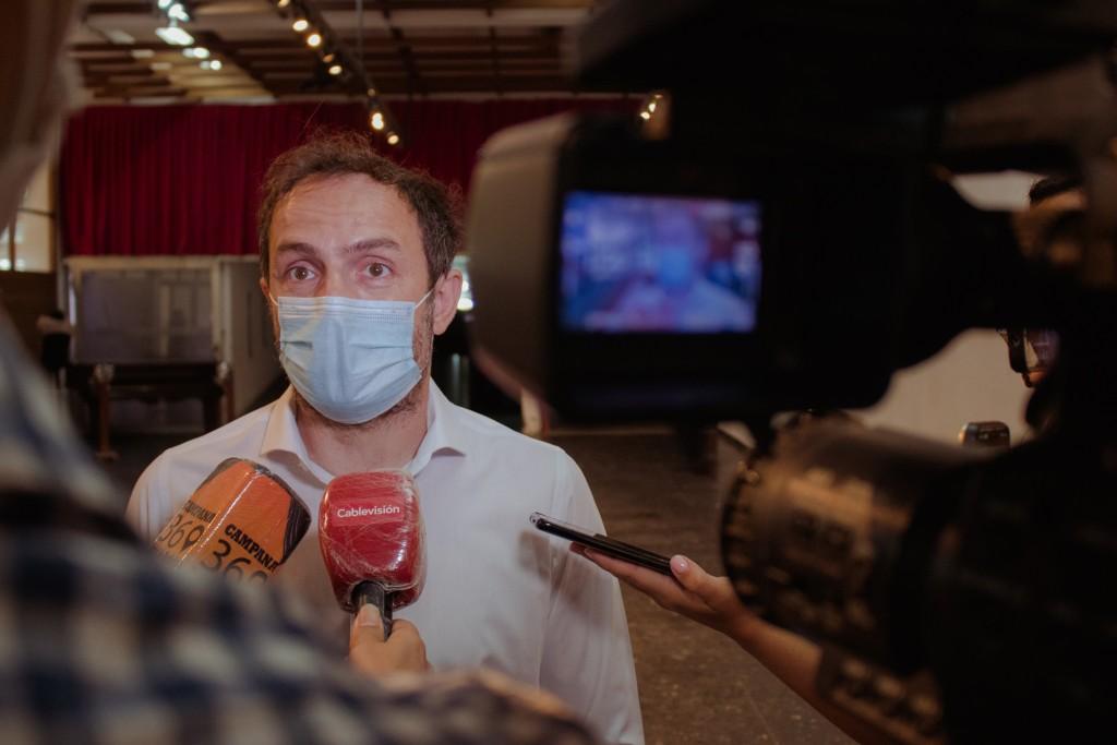 """Abella aseguró que el sistema de salud de Campana está """"totalmente preparado"""" para empezar a vacunar"""