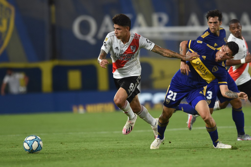 Boca Juniors y River Plate empataron 2 a 2