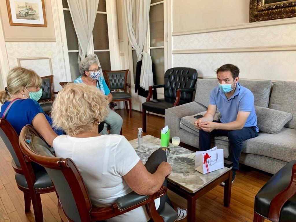 El Intendente compartió una reunión con docentes jubiladas