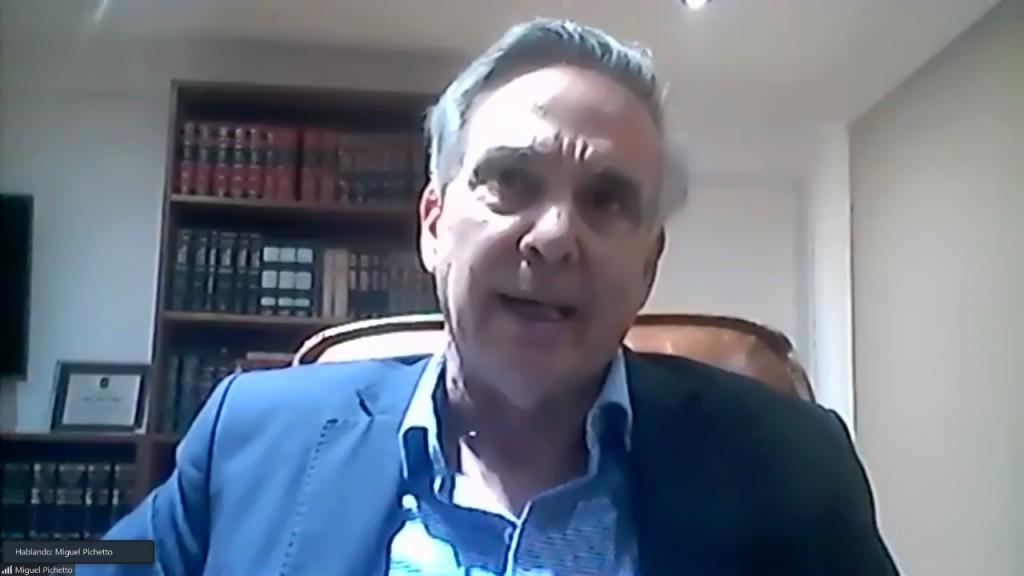 En conferencia organizada por APeRA el Ex Senador Miguel Pichetto se refiriò a diferentes temas