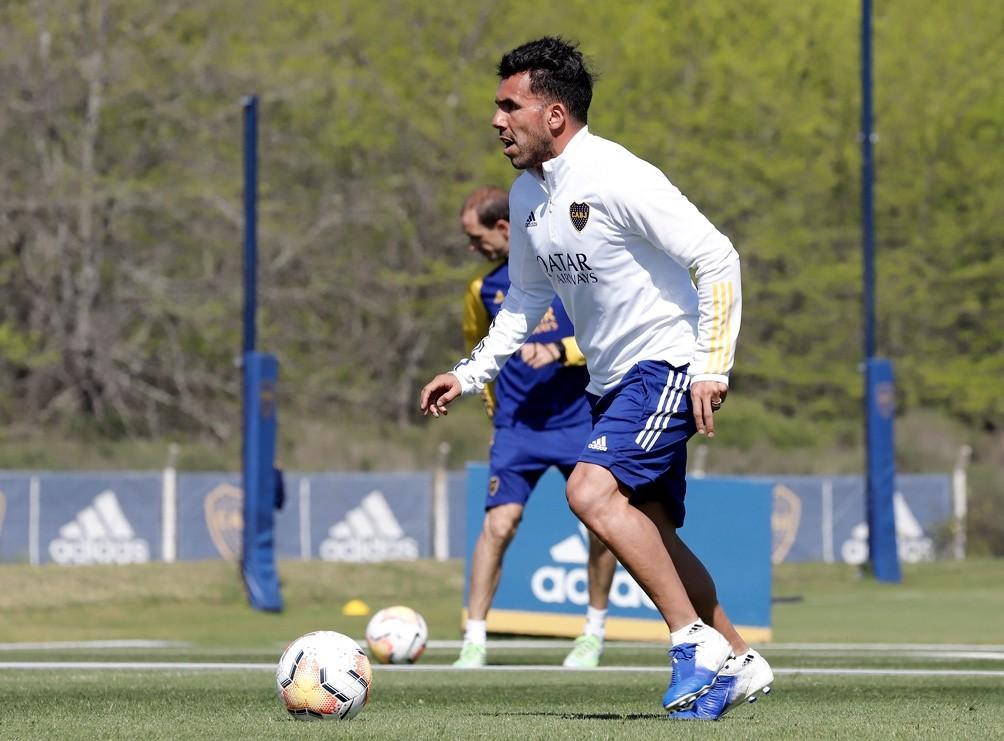 Tevez: Hay que cambiar y corregir errores para tener chances en la Copa