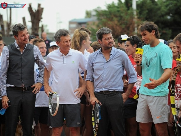 Nadal visitó San Lorenzo y recibió la camiseta del campeón de América