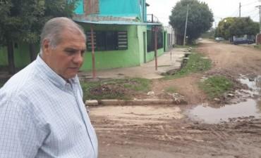 """""""El barrio Dignidad es un gueto: la gente vive entre su material fecal"""""""