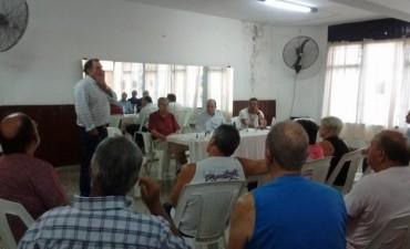 Sergio Roses junto a los Concejales de Cambiemos están efectuando recorridas por los distintos barrios de Campana