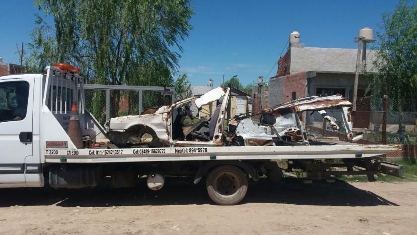 San Cayetano: el Municipio secuestró 9 autos y 4 autopartes abandonadas en la vía pública