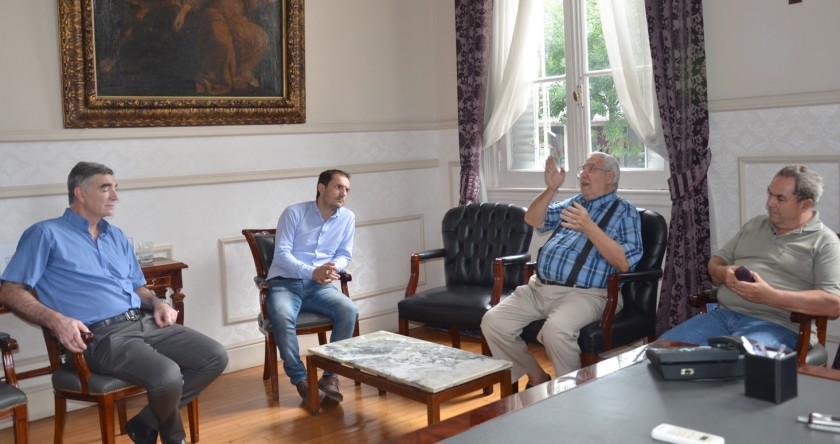 El Intendente recibió a miembros de la asociación civil Radio Club Campana
