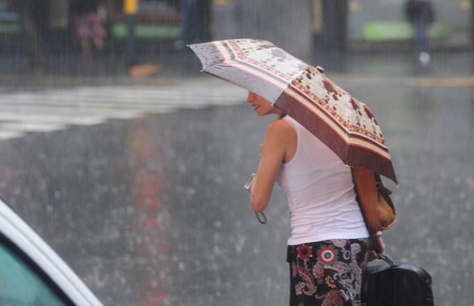 Lluvias y jornada gris sobre la Ciudad