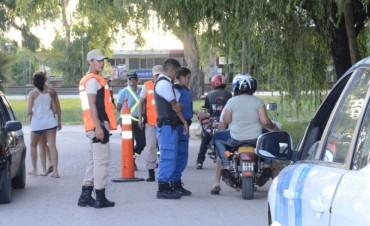 Continúan los operativos de control en distintos barrios de la ciudad