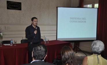Exitosa charla informativa sobre derechos del consumidor
