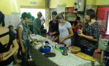 """Se realizó el primer taller de cocina """"Transmitiendo sabores y saberes"""""""