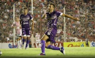 Ramiro López marcó el gol del empate de Villa Dálmine en Córdoba