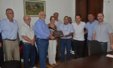 Abella reconoció el trabajo de la Asociación Isleños Unidos II