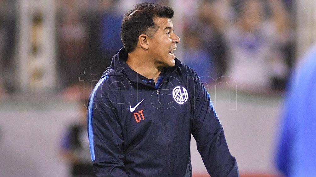 Almirón sigue haciendo cambios e intenta encontrar el equipo ante Argentinos Juniors
