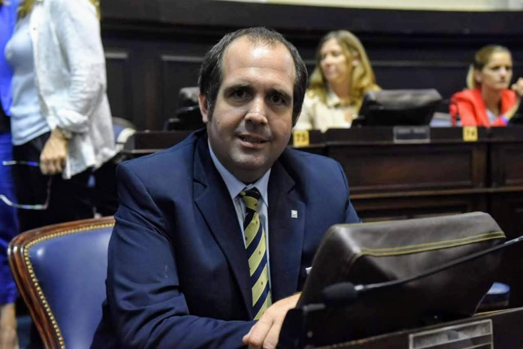 Denuncian penalmente al intendente de Lujan por irregularidades en la  reparación de patrulleros