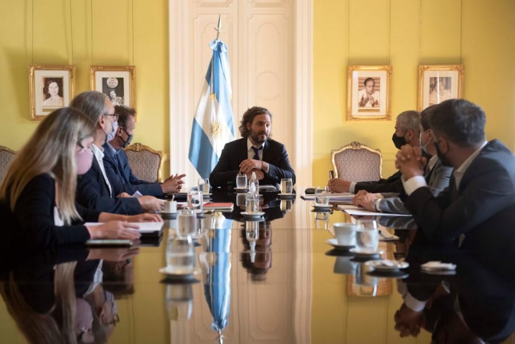 KATOPODIS:  HAY MIL OBRAS EN MARCHA EN EL PAÍS