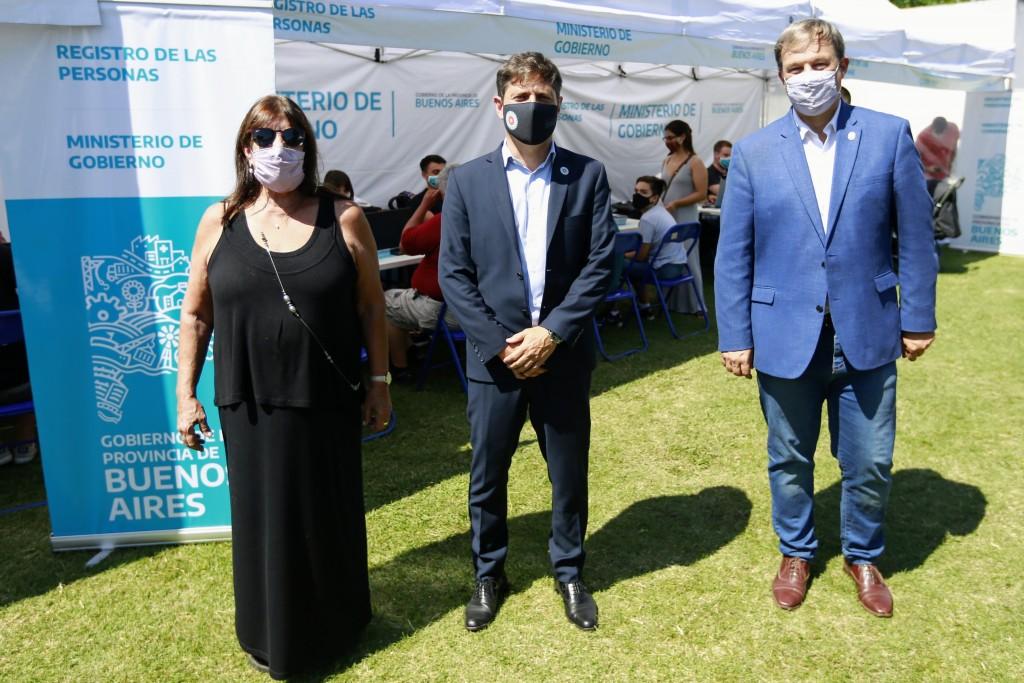 ALMIRANTE BROWN :  Kicillof, García y Cascallares recorrieron el operativo Mi Registro, Mi Barrio