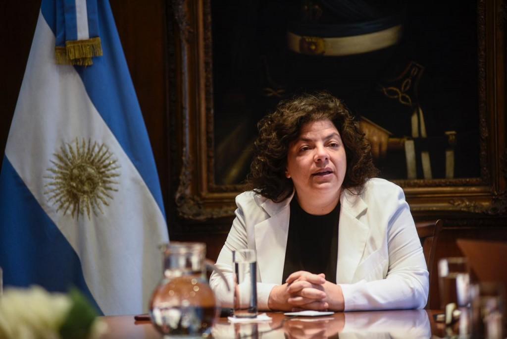 La ministra Vizzotti firmó la resolución que reglamenta el sistema para transparentar el proceso de vacunación