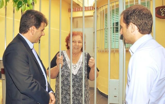 El ministro de seguridad se comprometió a enviar más efectivos y la posibilidad de construir una nueva comisaria