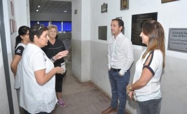 Abella visitó la Escuela Nº 4 de Río Luján