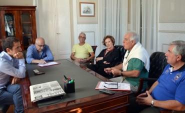Barrio Dálmine: tras una reunión entre Abella y los vecinos, empezaron las tareas de mejora