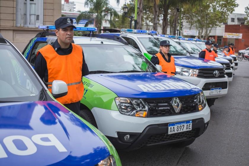 El Intendente presentó seis nuevos móviles policiales