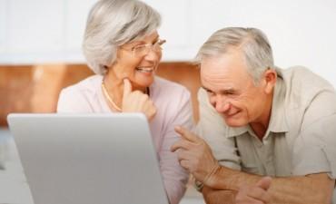 Lanzan tres nuevos cursos gratuitos destinados a adultos mayores