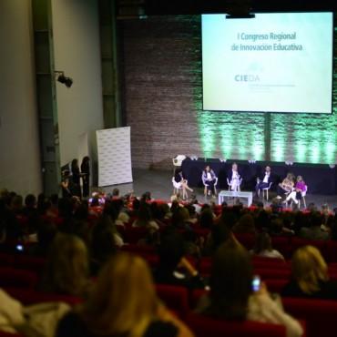 Cientos de docentes participaron del I Congreso Regional de Innovación Educativa
