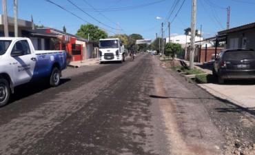 Colocan RAP y realizan trabajos de bacheo en el barrio Lubo