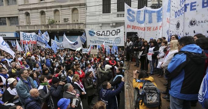 Docentes piden hablar con Vidal por fuera de la conciliación