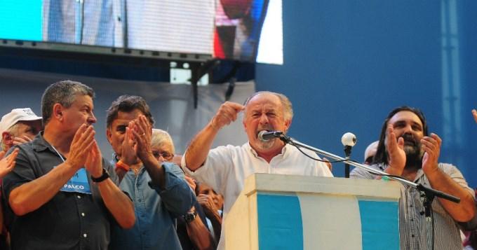 El pueblo argentino está de pie y dice basta de hambre