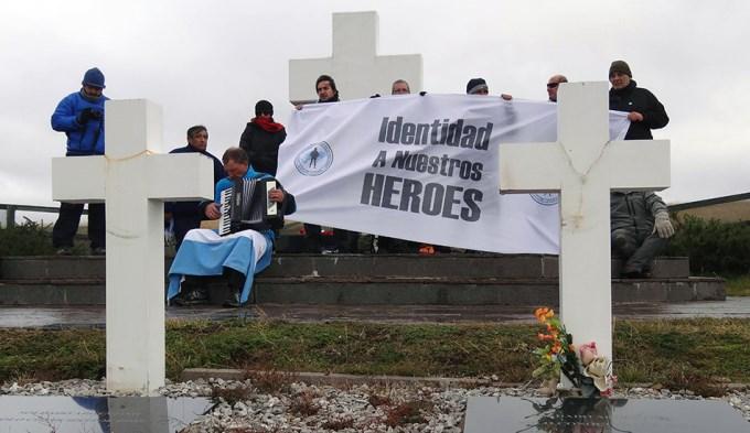 Empiezan a identificar a caídos en las Islas Malvinas