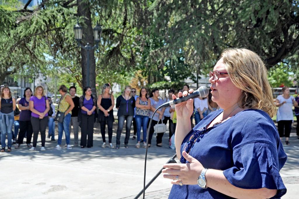 Buzzini destacó el rol protagónico de la mujer en la política