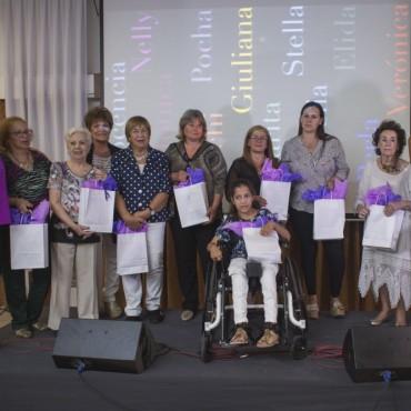 En el Día Internacional de la Mujer, se presentó un libro con historias de 12 mujeres destacadas de la ciudad