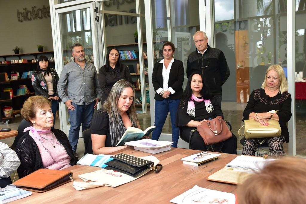 Con un encuentro literario, se celebró el Día Internacional de la Poesía