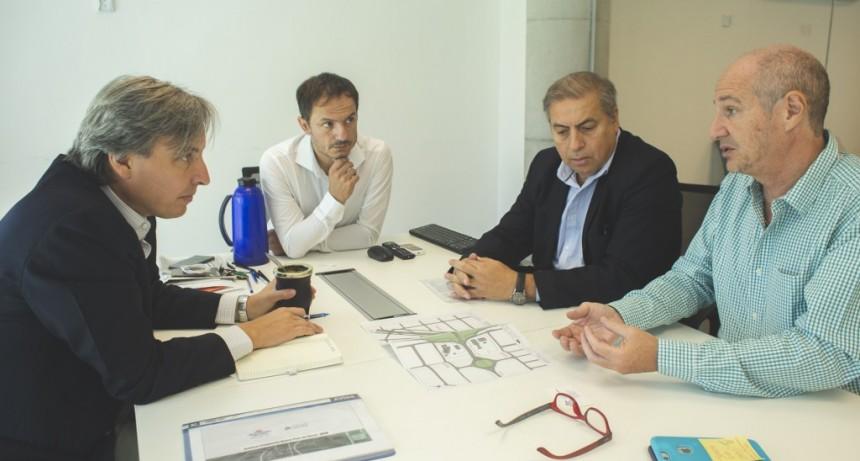 Abella se reunió con el presidente de Autopistas del sol por la obra de la rotonda
