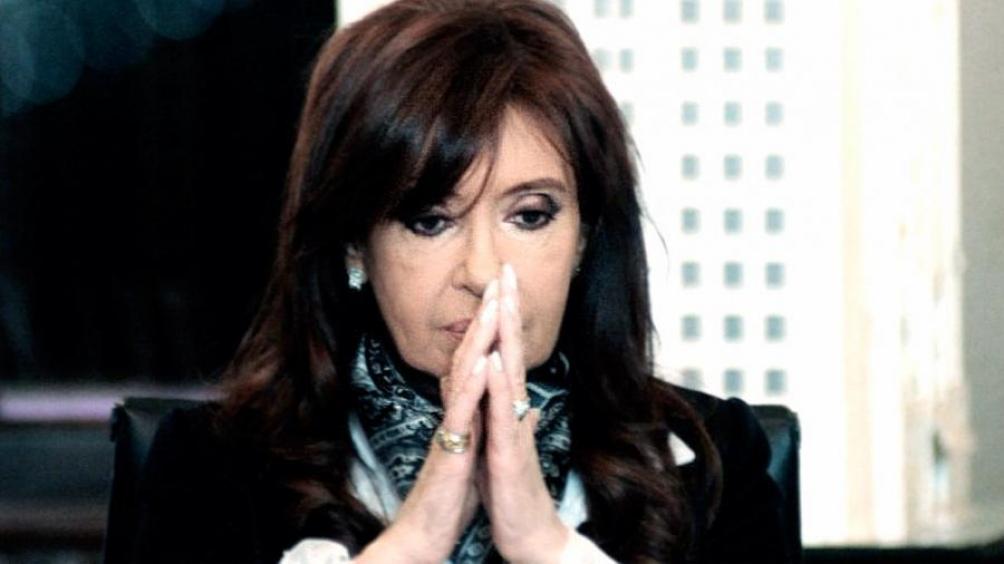 Cristina retornará el viernes al país, según su abogado
