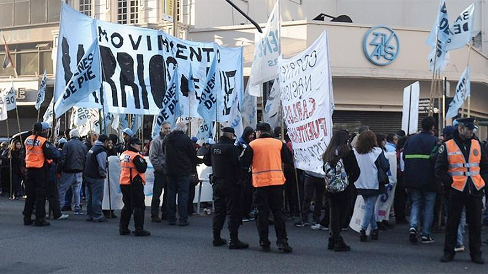 Organizaciones sociales cortan Corrientes y Callao y diversos accesos a la Ciudad
