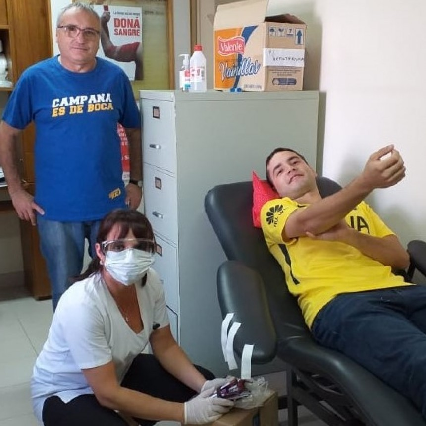 La peña Campana es de Boca donó sangre al hospital