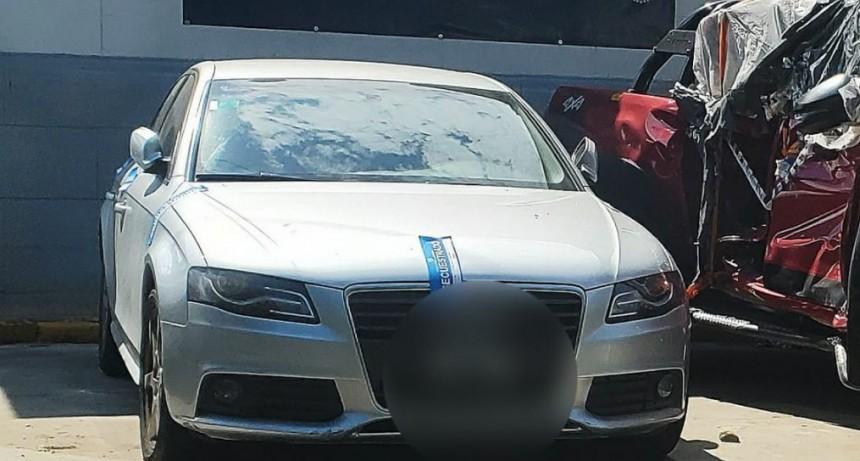 Secuestran el Audi que había intentado sobrepasar una de las restricciones de accesos a la ciudad