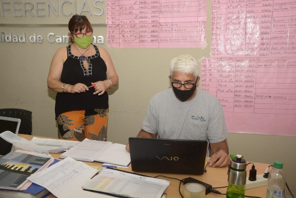 El Consejo Escolar realizó un acto público virtual para cubrir auxiliares de grupos de riesgo