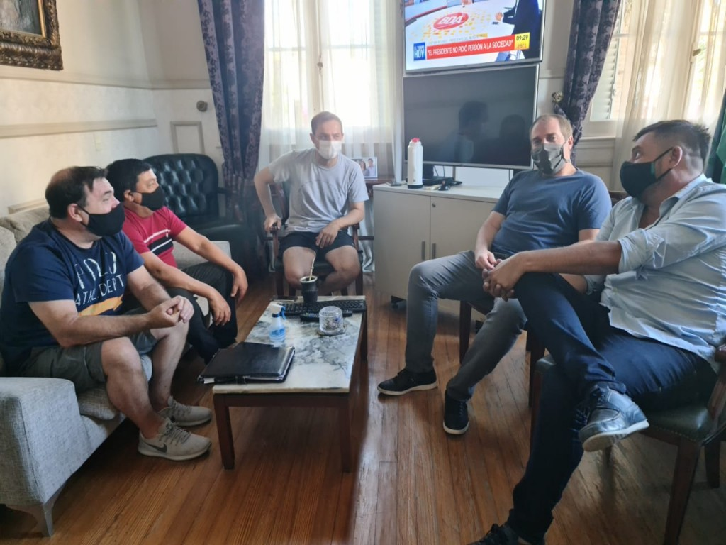 Abella se reunió con dirigentes de Villa Dálmine y Puerto Nuevo