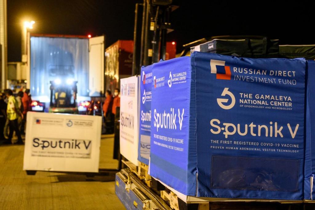 Arriban ayer 732.500 Sputnik V y Argentina ya cuenta con más de 4.000.000 de dosis