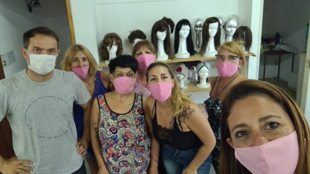 Abella visitó a la Organización Pelucas Solidarias Campana