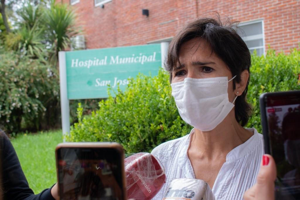 Acciardi resaltó que el hospital tuvo que vacunar docentes cuando no estaba previsto
